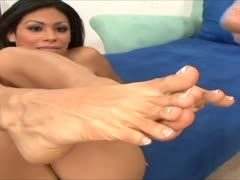 Latina feet jizzed with sperm