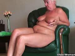 schmutzige alte Hausfrauen
