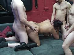Both Live Nackt Cam Modelle have own place and